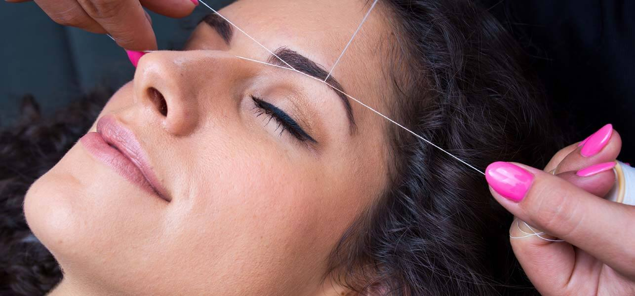 How-To-Do-Eyebrow-Threading-At-Home-–-DIY-With-Detailed-Steps-And-Images